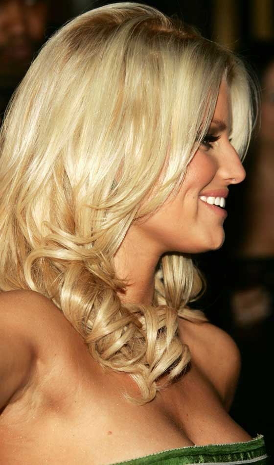 Platinum-Wavy-Thick-Hairdo