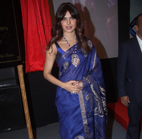 Bollywood Hot Heroine Priyanka Chopra In Blue Saree