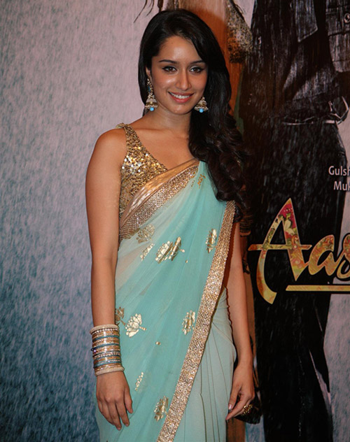 Bollywood Beauty Shraddha Kapoor In Aashiqui 2 Saree - Rare Picture