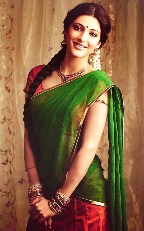 Shruti-Haasan-In-Half-Saree
