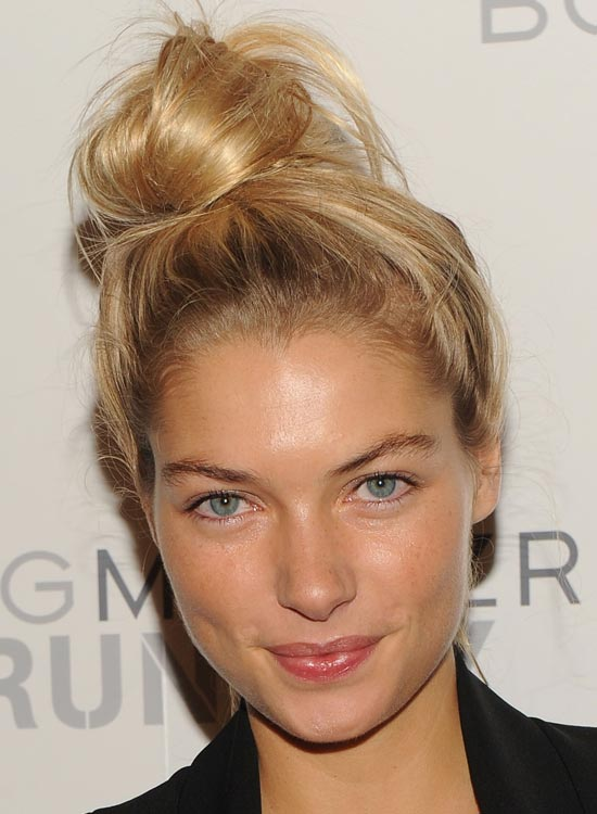Side-Twisted-Topknot-with-Messy-Finish