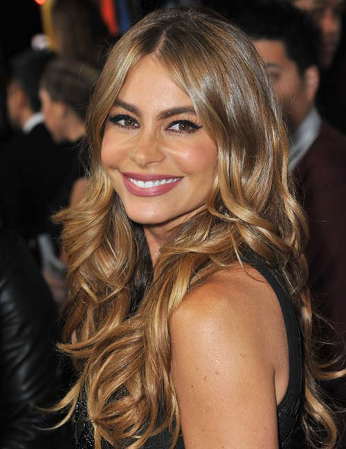 Sofia Vergara – Middle Parting With Waves