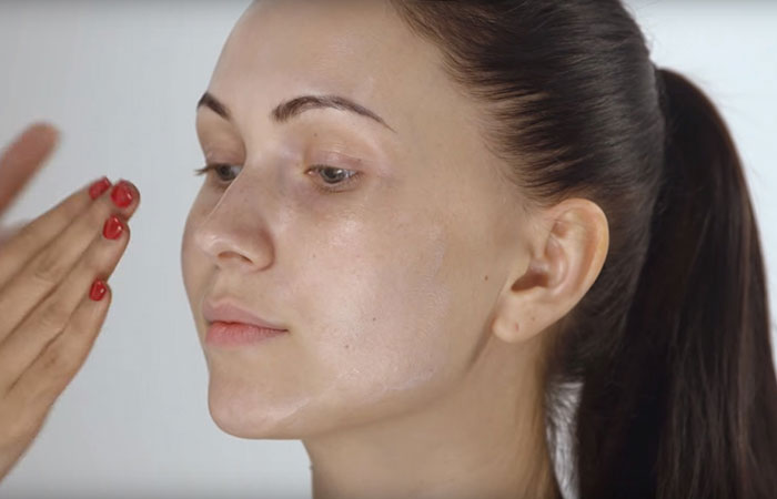How To Do Face Makeup Perfectly? - Step 1: Using A Primer