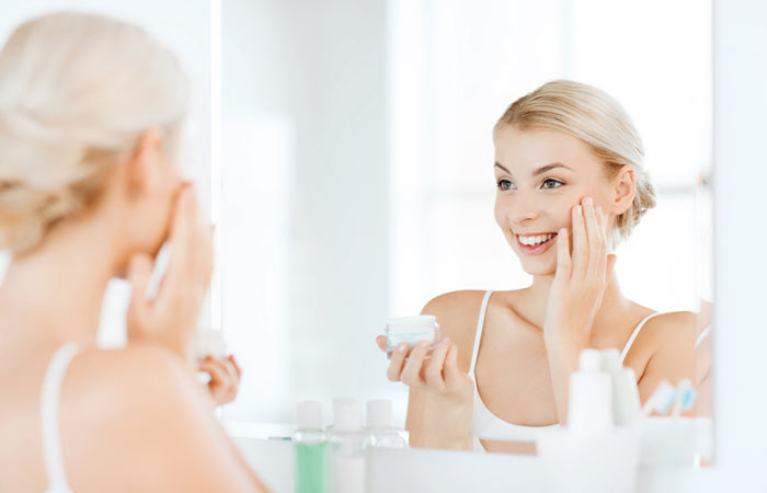 How To Prepare Skin Before Makeup - 3. Apply Moisturizer