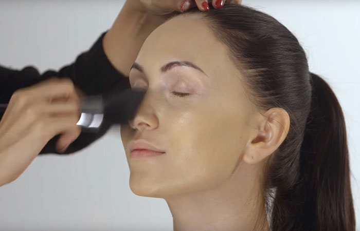 How To Do Face Makeup Perfectly? - Step 4: Setting Your Foundation