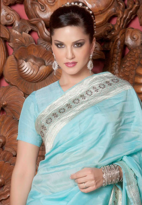 Bollywood Sexy Actress Sunny Leone Blue Saree Look