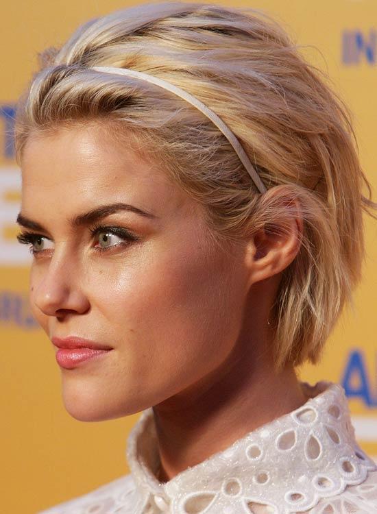 Textured-Blonde-Waves-with-Headband