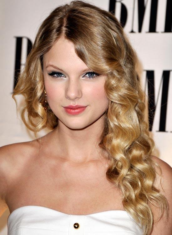 Terrific Top 50 Beautiful Wavy Long Hairstyles To Inspire You Short Hairstyles Gunalazisus