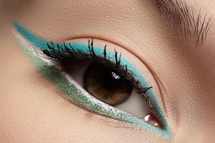 The Dual Toned Winged Liner Look