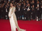 Top-41-Bollywood-Actresses-Who-Look-Beautiful-In-Saree3