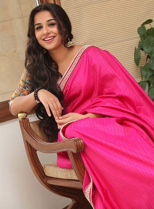 Bollywood Beauty Vidya Balan Pink Saree Look
