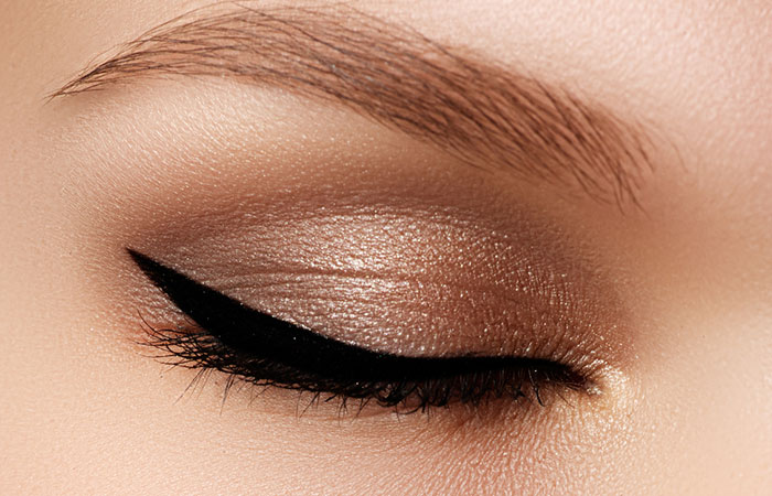 How To Apply Eyeliner? - Step 4: Wing It Out!