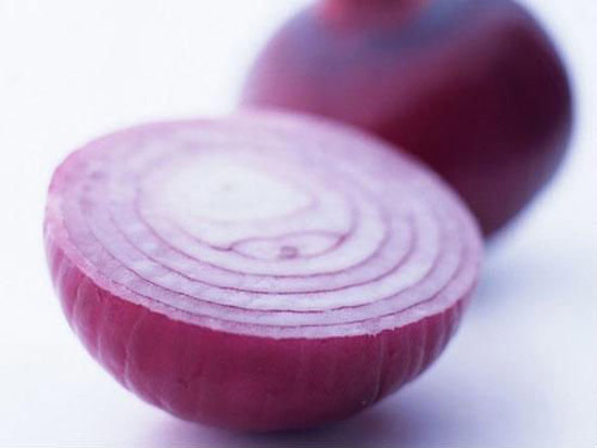 onion juice for eyebrows