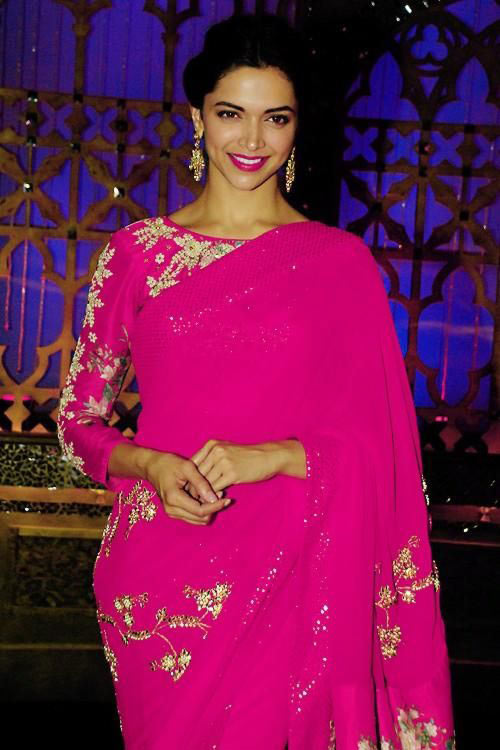 Bollywood Heroine Deepika Padukone In Pink Saree