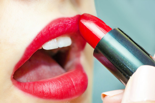 Red With Purple Undertone Lipstick Color - Best Choice For Fair Skinned Women