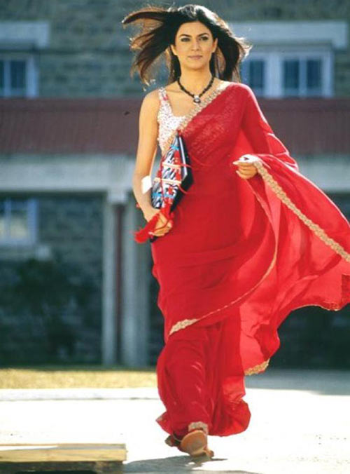 Sushmita Sen Main Hoon Na Saree Look