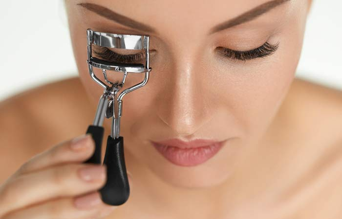 How To Curl Eyelashes - 5 Effective Ways