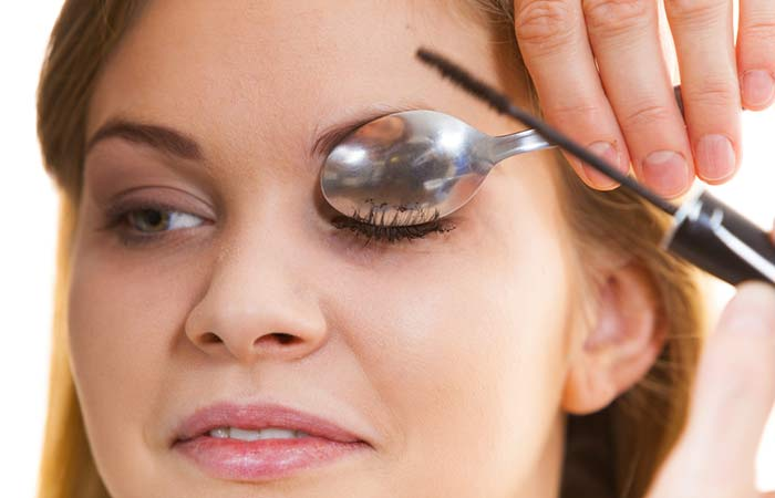 3. How To Curl Eyelashes With Spoon