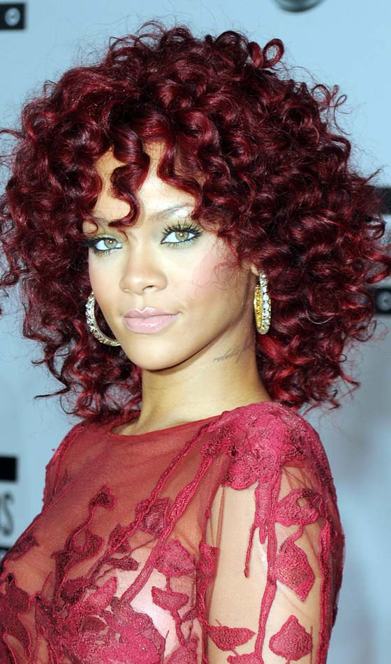 3.Latest-Curly-hairstyles-of-Celebrities