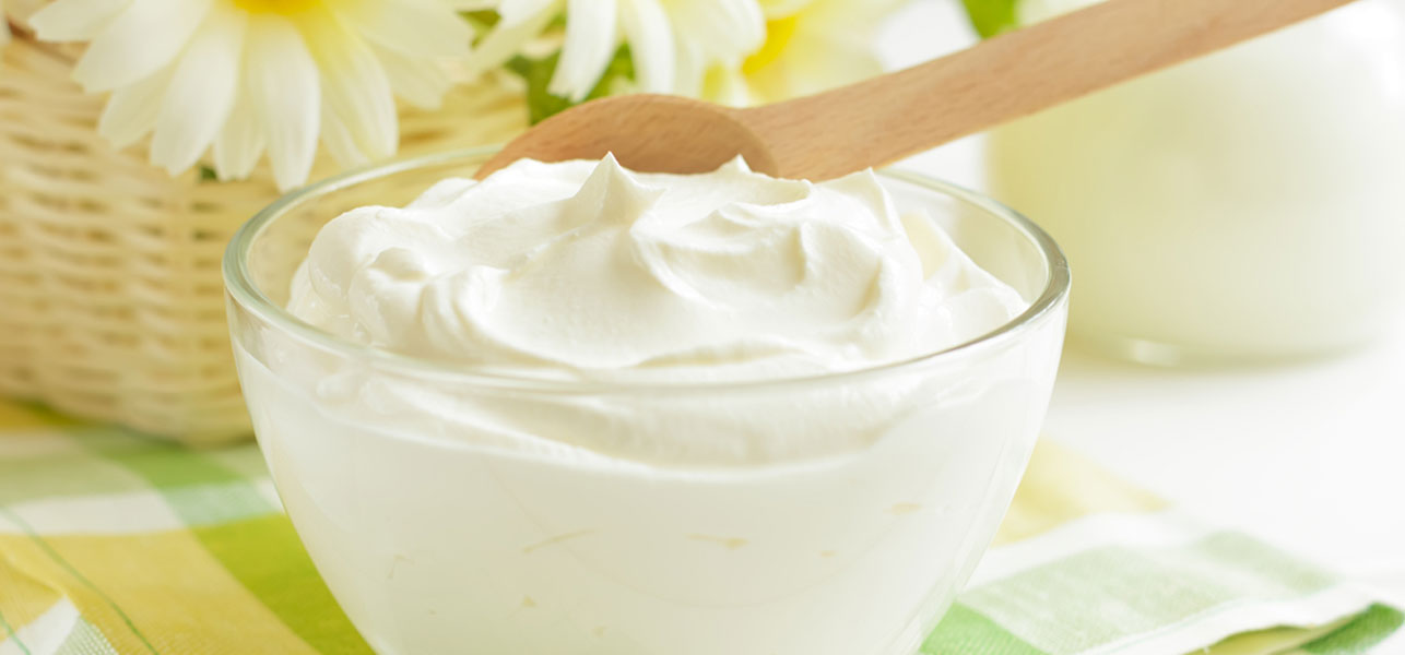 Yogurt benefits for healthy and shiny hair