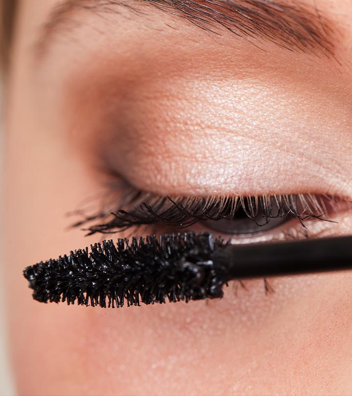 How To Fix Clumpy Lashes?