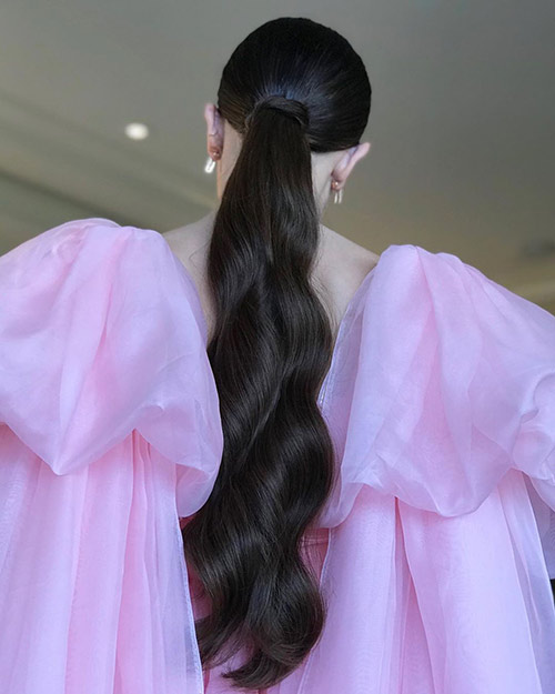 Long Flowy Ponytail