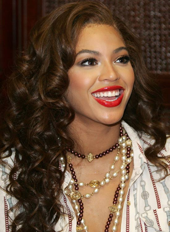 Luscious-Layered-Curls-with-Texture-and-Highlights