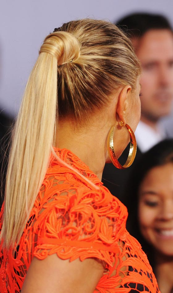 Shiny-Blonde-Ponytail