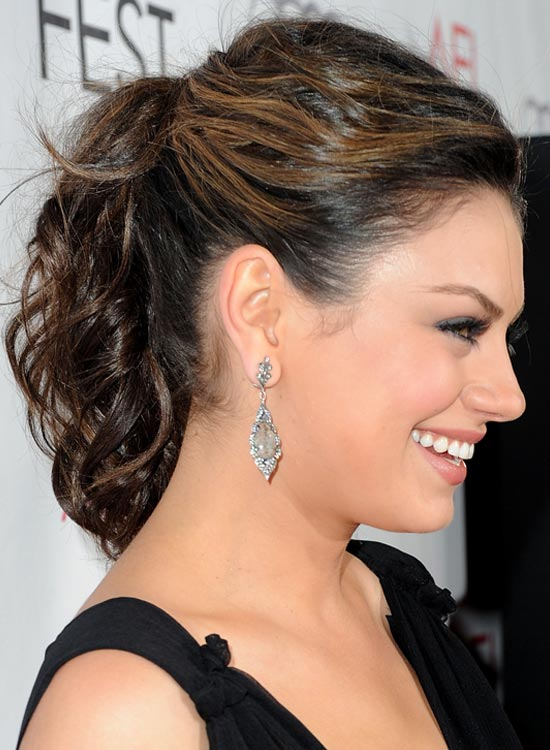Short-Layered-Ponytail-with-Highlighted-Textured-Top