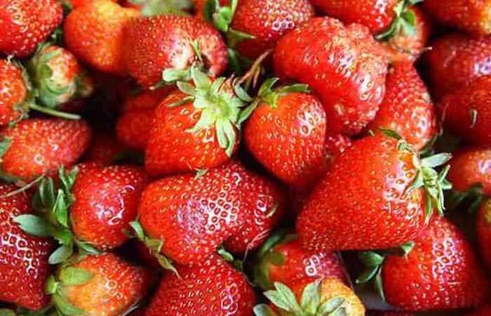 Strawberries-hair-mask1