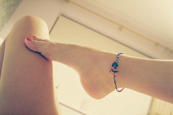 feet blisters under skin
