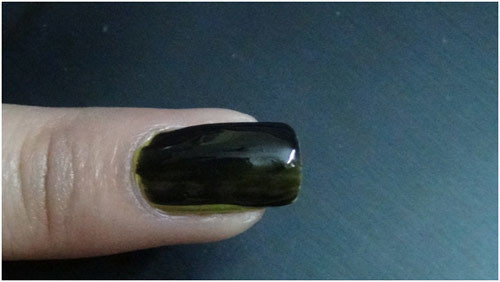 green colour dry nail makeup