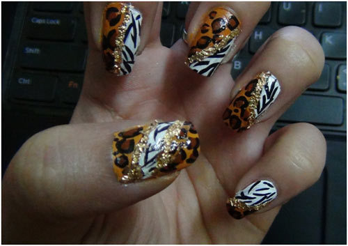 leopard dots with unjoined for nails