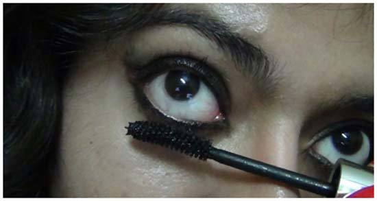 stick onto lashes