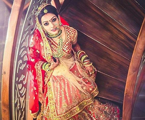 Beautiful Indian Dulhan Makeup Looks - Red And Gold Combo Bridal Makeup Look