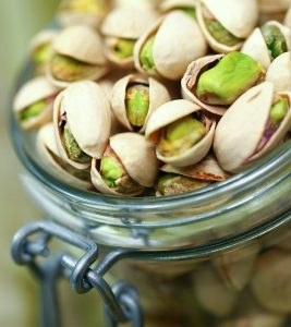 12 Evidence-Based Health Benefits Of Pistachio Nuts