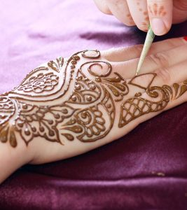 28 Easy And Simple Mehndi Designs That You Should Try In 2018