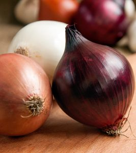 31 Surprising Benefits Of Onions (Pyaz) For Skin, Hair And Health