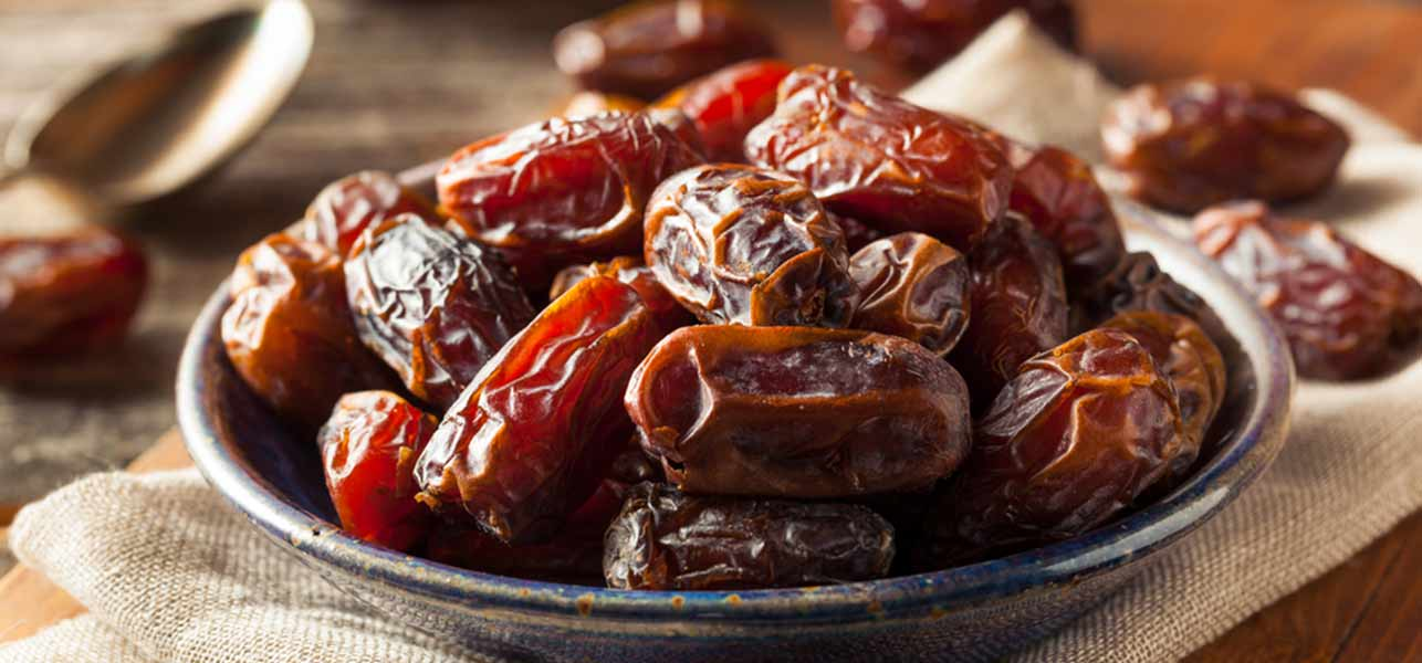 18 Amazing Health Benefits Of Dates (Khajoor) For Skin, Hair, And Health