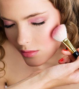 Tutorial – How To Use Blush As An Eye Shadow