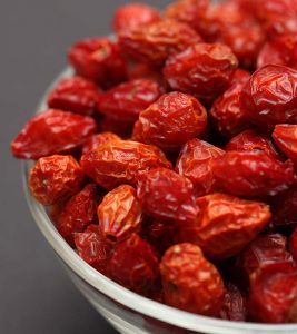 12 Amazing Health Benefits Of Rose Hips