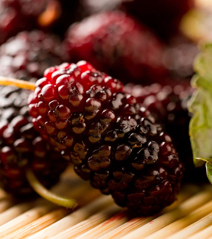 592_23 Amazing Benefits Of Mulberries (Shahtoot) For Skin, Hair, And Health_shutterstock_131459654