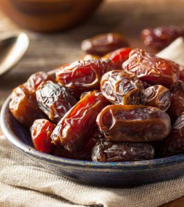 18 Amazing Benefits Of Dates (Khajoor) For Skin, Hair And Health