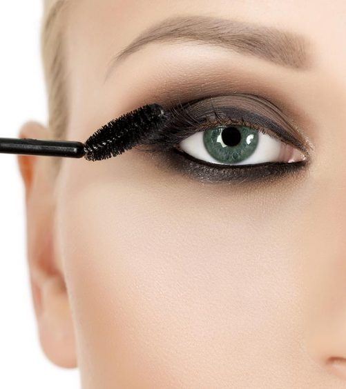 How-To-Get-Thicker-Lashes-With-Mascara