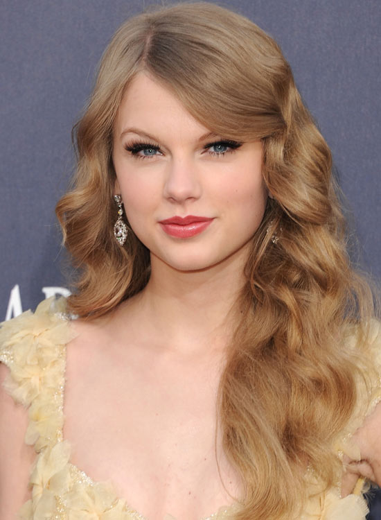 Retro-Textured-Waves-with-Thick-Side-Sweep