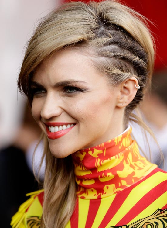 Side-Swept-Layers-with-Multiple-Twisted-Strands