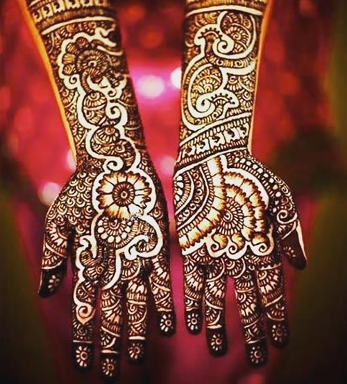 Design of mehndi for bride