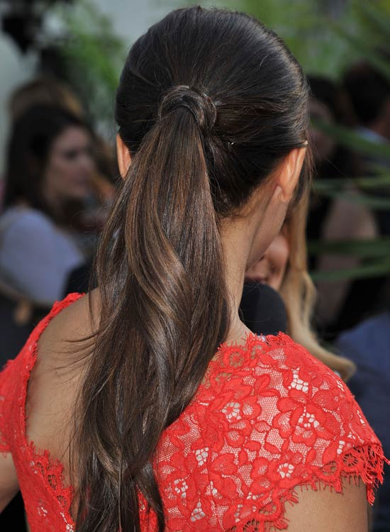 Wavy-Layered-Ponytail-with-Hair-Wrap