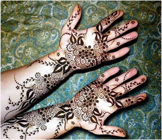 black mehndi design outlining