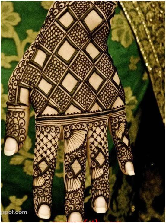 black mehndi design for left hand